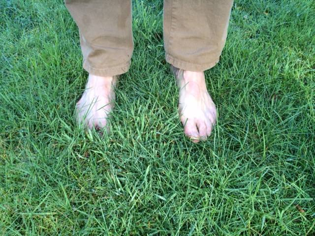 Ga elke ochtend op blote voeten in het gras staan